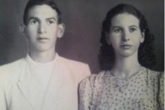 Il giovane Servo di Dio e la sorella madrina Elvira (Vica)