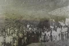 1925. PEQUI. MG. FAZENDA GROTÃO DE PROPRIEDADE DO SENHOR SALUSTIANO ARAÚJO. AQUI O SERVO DE DEUS CELEBROU MISSA DURANTE 14 ANOS CONSECUTIVOS